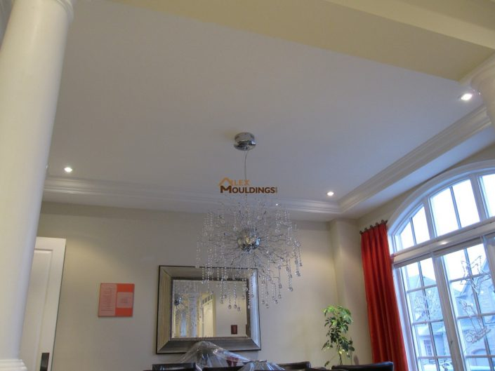 ceiling decor using moulding