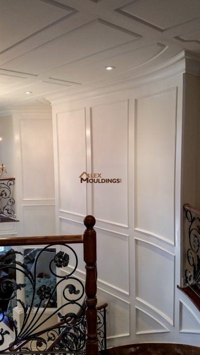 Ceiling and full wall wainscoting style