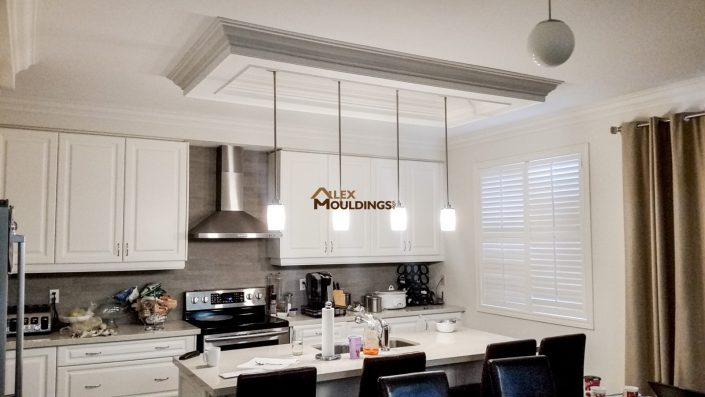 Ceiling box with pendant lights