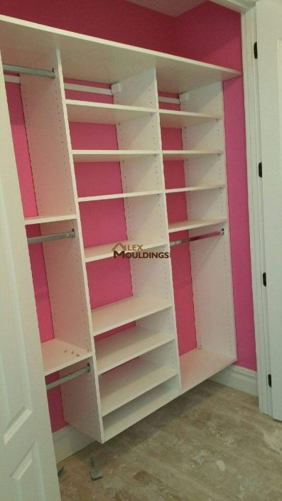 easy reach closet for girls room