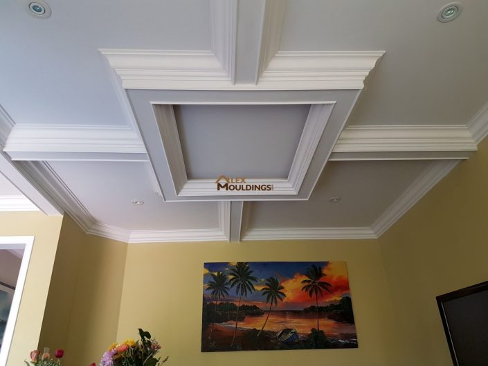 Dining room coffered ceiling with crown mouldings