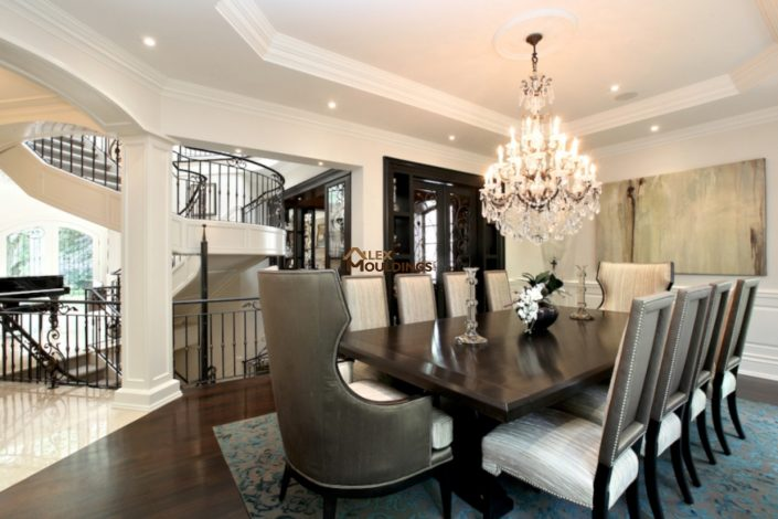 beautiful trim details dining room