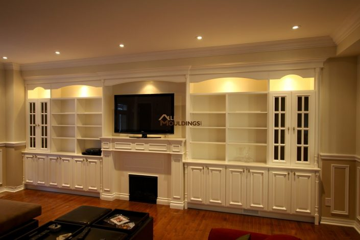 wall unit with incorporated lighs