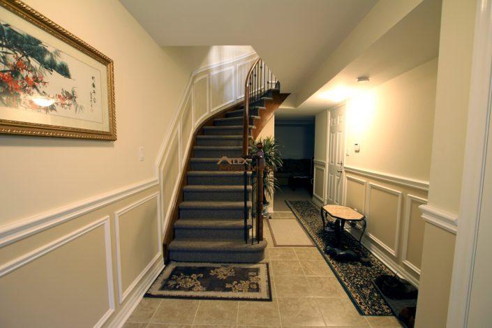 Hallway wainscoting application