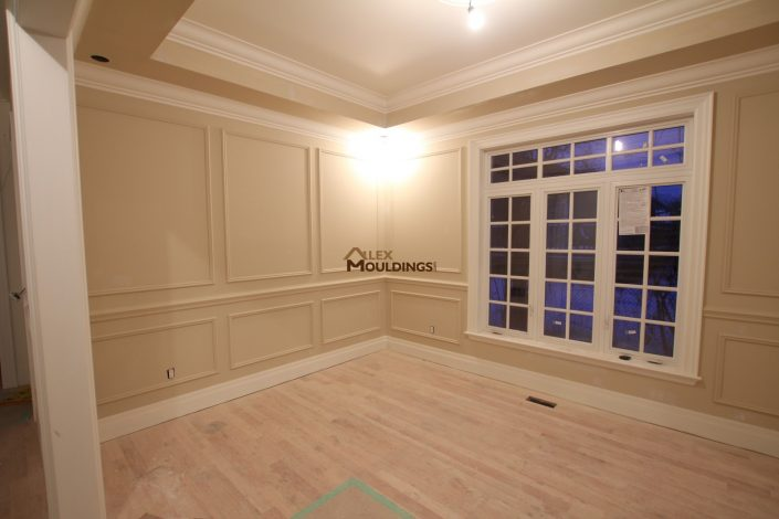wall trim design with tray ceiling and crown mouldings