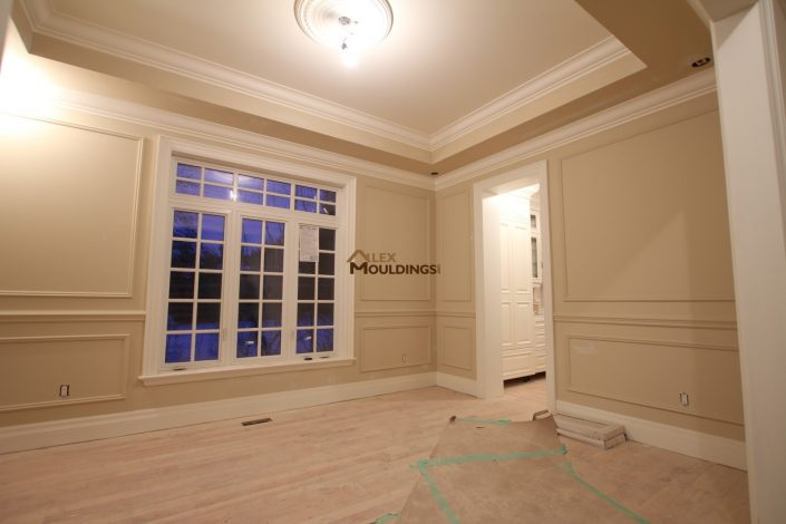 appliques trim on the wall