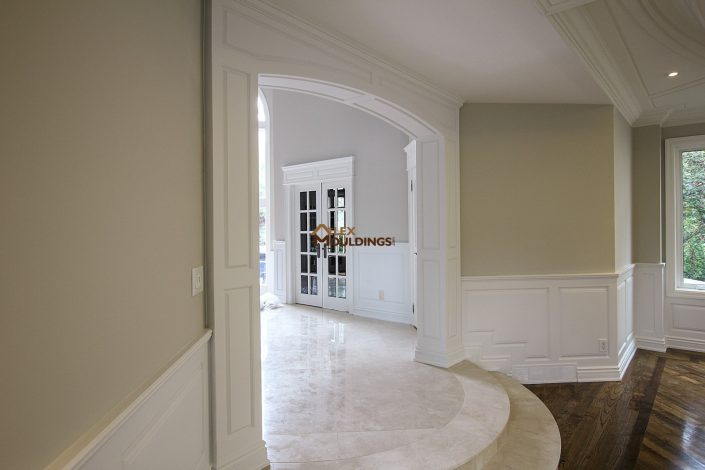 Columns style entryway