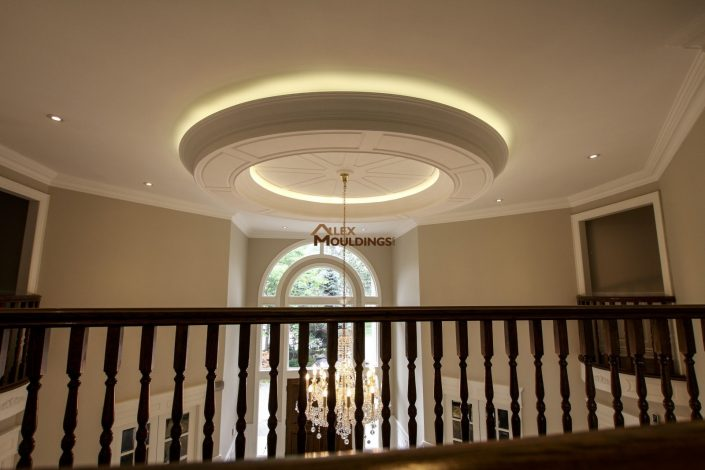 Living room circle ceiling design with lighting