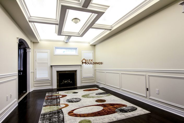 Living room ceiling box design with lighting