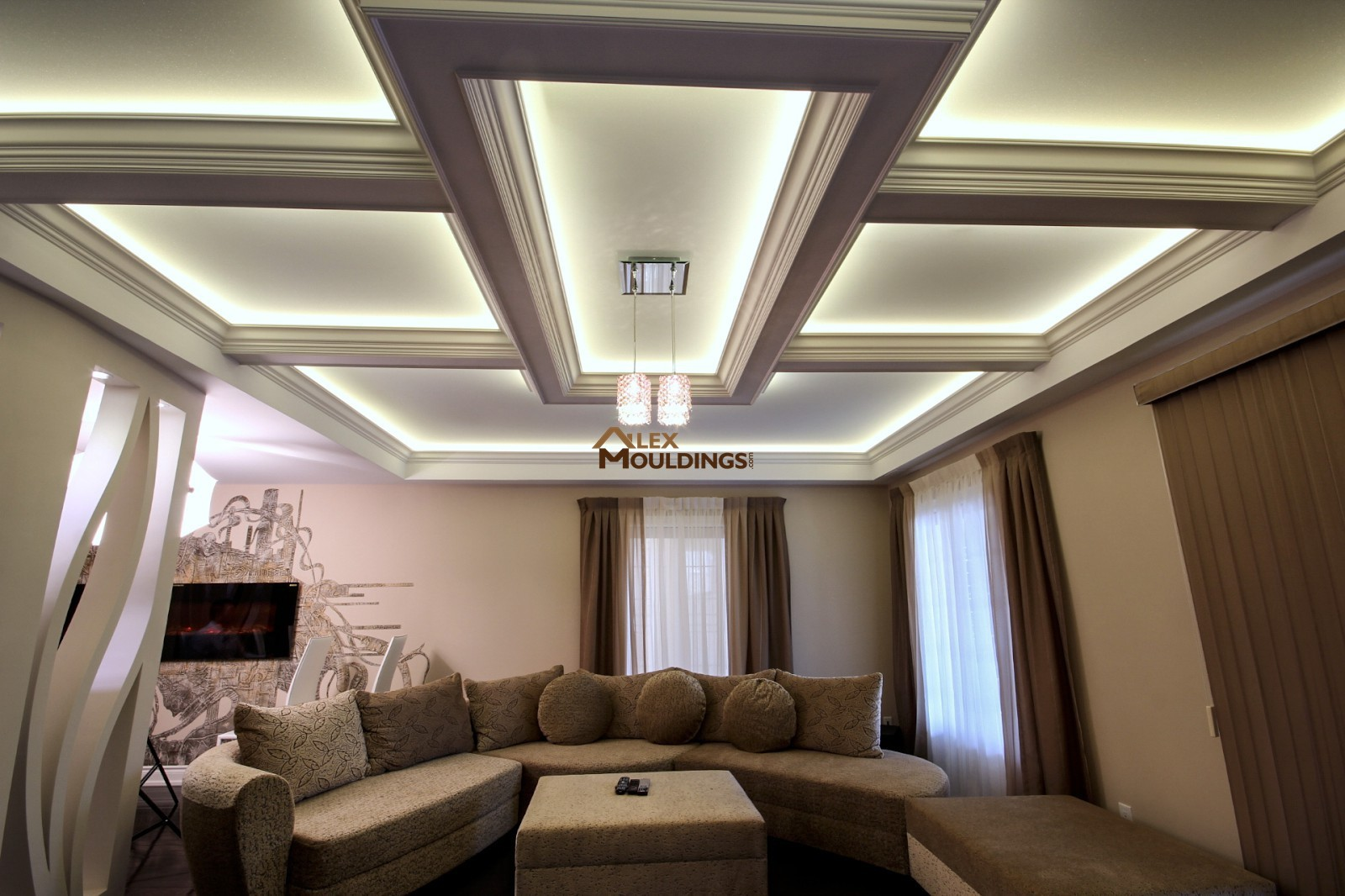 designed ceiling in the living area