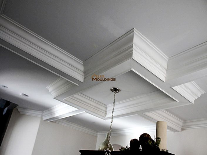 Ceiling box with crown mouldings