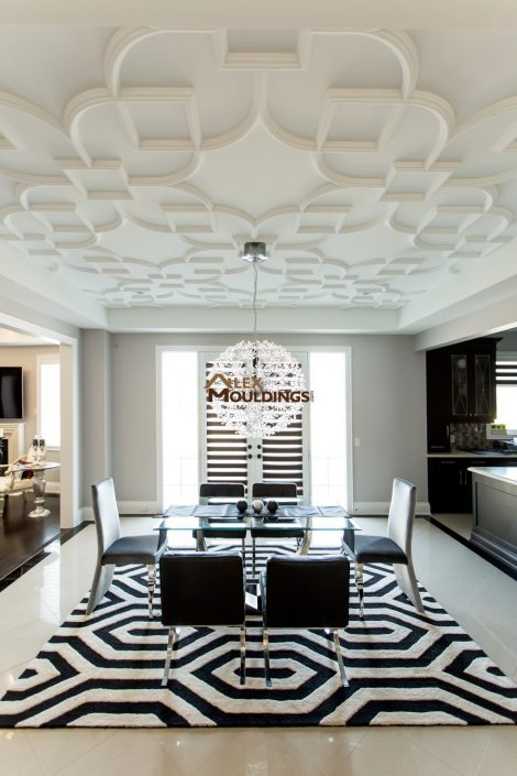Patterned design ceiling in dining room